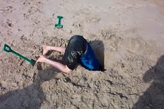Looking down (eltpics) Tags: beach hole lookingdown eltpics