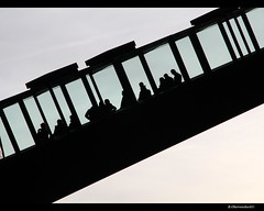 Rolltreppe auf Zollverein (bernd obervossbeck) Tags: silhouette essen ruhrgebiet zechezollverein rolltreppe movingstaircase ruhrarea movingstairs industriekultur industrialculture industriedenkmal movingstairway