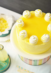 Lemon Meringue Delight Cake 6 (Sweetapolita) Tags: yellow lemon layercake lemoncurd eastercake lemonmeringue lemoncake meringues sweetapolita delightcake bakedmeringues