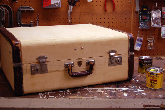 old-suitcase-stripped-of-fabric