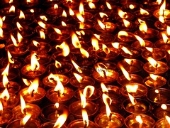 Worship (Anupam Mukherjee) Tags: india reflection canon temple worship religion pray illumination indie hindu indi bengal darjeeling indien bangla linde diya westbengal indianart observatoryhill ndia incredibleindia darjiling mahakaltemple anupammukherjee anupammukherjeephotography observatoryhilldarjeeling observatorydarjeeling