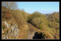 The Way A Railway Would Normally Be Viewed (K-Burn) Tags: abandoned rock view path derbyshire peakdistrict ridge cutting monsaltrail dismantledrailway monsaldale cressbrook upperdale manchesterbuxtonmatlockandmidlandjunctionrailway