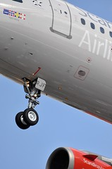 [12:50] SK0503 CPH-LHR. (A380spotter) Tags: london heathrow landing finals 200 landinggear airbus sk arrival sas approach lhr a320 threshold undercarriage egll nosegear 27r sasscandinavianairlines runway27r shortfinals cphlhr sk0503 serjf adilsviking flightgmidv24092003bd0582lhrman16a0039 flightgmidv25032005bd0101lhrams11f0043 flightgmidv23122007bd6axbd0112amslhr05f0039