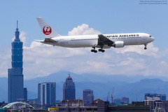 Japan Airlines Boeing 767-346(ER) | JA653J (HarenWang) Tags:   taiwan taipei travel fly flying veiw views trip traveling photography  airport aircraft taipeisongshanairport tsa songshan     international        japan airlines boeing 767346er ja653j japanairlines    b767 767 taipei101 101