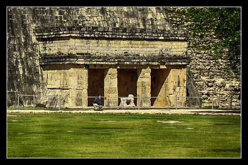 Chichén Itzá MEX - The Annexe of the Temple of the Jaguars 01