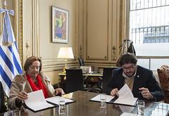 El ministro Avelluto y su par de Uruguay firman el Programa de Intercambio de Residencias Artsticas (Ministerio de Cultura de la Nacin) Tags: ministeriodeculturadelanacin pabloavelluto ministeriodeeducacinycultura repblicaorientaldeluruguay uruguay intercambio firma memorandodeentendimiento programadeintercambioderesidenciasartsticas