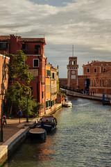 Venise 2016 (PatGentil) Tags: venise italie canal maisons bateaux ciel nuages paysages