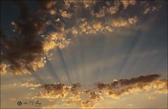 Atardecer de agosto (Art.Mary) Tags: atardecer nubes nuages clouds cielo ciel sky canon sol soleil sun rayos spain espaa espagne andalucia granada ogjares