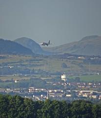 Coming Home (Bricheno) Tags: dumgoyne schottland szkocja aeroplane plane jet airplane easyjet scotland scozia escocia esccia cosse scoia    bricheno paisley clydebank kilpatricks campsies hills fells watertower drumchapel campsiefells