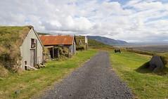 Old farmhouses, Skaftafell National Park, Iceland (maxunterwegs) Tags: farm iceland island islande islandia islndia nationalpark parcnational parquenacional sel skaftafell austurland