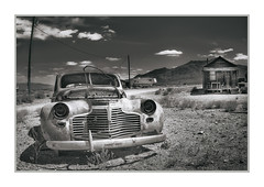 Abandoned Car, Gold Point Ghost Town, NV (Vincent Galassi) Tags: abandonedcar goldpointghosttown nvpentax645d pentax6735mm 1125s f16 iso100 landscape black white vehicle