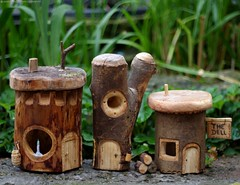 wood carved fairy houses (Simon Dell Photography) Tags: sheffield simon dell wood art photography uk england city 2016 carvings carve logs green man fairy house houses borrower village hackenthorpe shirebrook valley designs copy right how first time simple