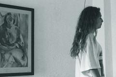 ARTE (dianadelahoz) Tags: cuadro chica monocromo vintage profile portrait room home habitacin interior blanco y negro