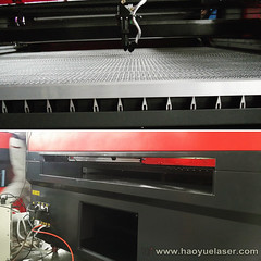 laser machine worktable and front&back door opening for put longer material. (haoyuelaser) Tags: laserengraver cncrouter cortelaser lasercutter lasercutting laserengraved lazermachine laserengravingmachine lasermachine art