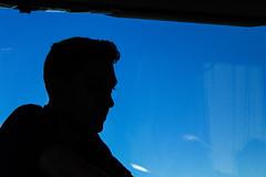 Estrada para Nantes (faneitzke) Tags: nantes paysdelaloire france frana loireatlantique canont5 canon canont5eos1200d britanny bretagne bretanha summer vero light luz contraste contrast travel traveling travelling traveler traveller trip viagem rotaryyouthexchange rye ryep studentexchangeprogram exchangestudent intercmbio retrato portrait pessoas gente people personas homem man men boy teenager teen adolescente contrejour contraluz sombra shadow ombre road estrada bus nibus portfolio