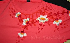 Camiseta/t-shirt (Kika Bordados by Angelica Krauss) Tags: handmade embroidery artes artesanatos bordados bordadosfeitoàmão kikabordados