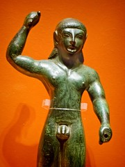 Kouros figurine in smiting pose Etruscan (with Greek influence) from central pre-Roman Italy 550-515 BCE Bronze (mharrsch) Tags: italy male bronze oregon nude portland 6thcenturybce warrior figurine britishmuseum kouros etruscan portlandartmuseum preroman bodybeautiful mharrsch