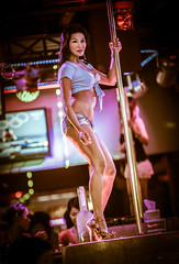 phuket-nightlife_156-B (The-Wizard-of-Oz) Tags: travel woman sexy thailand dancer nightclub entertainment nightlife phuket highiso poledancer thaiwoman tangtop jeanshort