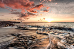 Hvaleyrin (Gujn Ott) Tags: sunset sea sky cloud beach nature water landscape sand waves gravel sjr nttra vatn sk himinn fjara sandur landslag slsetur ldur ml hvaleyrin