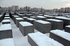 Holocaust Memorial or Holocaust Denkmal. Berlin. (elsa11) Tags: winter snow berlin sneeuw petereisenman berlijn holocaustmahnmal holocaustdenkmal holocaustmonument denkmalfürdieermordetenjudeneuropas