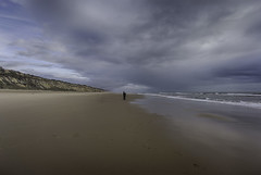'Elsa' (Canadapt) Tags: ocean sky cliff woman cloud beach spain surf perspective wave atlantic andalusia elsa canadapt