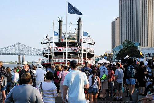Natchez & fest crowd