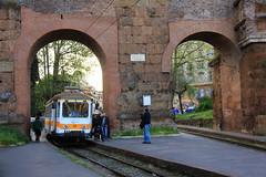 Tranvas romanos (El Sirio) Tags: italy train italia tram metric meter gauge tramway metrica tramz