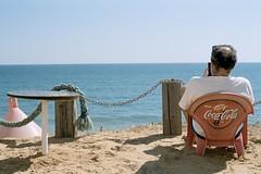 Enjoy... (ralcains) Tags: spa spain espaa playa beach strand matalascanas huelva andalousia andalucia andalusia analogue analogica qumica canon canonf1 canonfd 50mm f1 kodak vision350d motionpicture