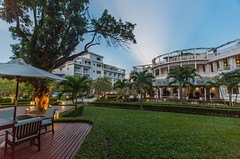 La Residence at Dusk (La Residence Hue Hotel & Spa - MGallery by Sofitel) Tags: dusk garden laresidencehotelspa huecity vietnam mgallerybysofitel luxuryhuehotel luxuryhotels luxuryhotelinhue luxuryhotelinvietnam