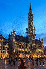 Contemplating (Explored) (Mathay Jean-Luc) Tags: bruxelles belgique be canon eos 1100d rebelt3 sigma brussels belgium hteldeville cityhall grandplace marketplace europe trip journey voyage outdoor building old vieux history histoire night nuit blue bleu sky ciel clouds nuages light lumires city street ville rue people gens cityscape paysageurbain town colour couleur outside summer t sommer flickr medieval windows arches