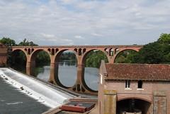 C'est o ? (France-) Tags: 1367 france pont albi tarn riviere architecture reflets arche