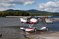 Wipaire Cessna 182S N580XX (jbp274) Tags: lake water greenville greenvilleseaplaneflyin flyin airplanes seaplane floatplane 52b cessna wipaire skylane c182 mooseheadlake