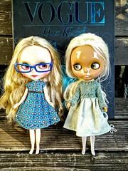 Katinka und Shannon, beide vor der VOGUE