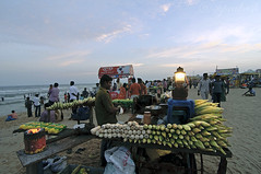 Fast foods @Elliot's beach (me suprakash) Tags: nikond90 tokina1116mm beach beachphotography chennai india southindia activities peoplephotography