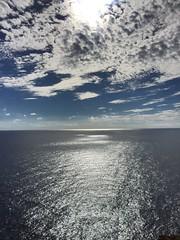 Entre deux. (Anasnap136) Tags: libert falaise colline infini reflet crpuscule sunset horizon sea cloud nuages ciel mer entredeux