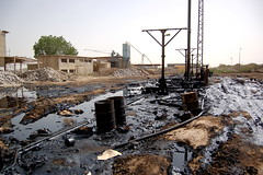 Oil Spillage - Sudan (UNEP Disasters & Conflicts) Tags: africa sudan training environment climatechange drought conflict disaster peace development pollution unep unenvironment