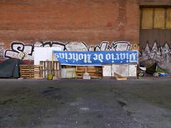 coisas dos sem-abrigo (*L) Tags: geotagged lisboa coisas dos santos são notícia portodelisboa semabrigo raramente caisdaviscondessa geo:lat=38705448263390075 geo:lon=915604446424868