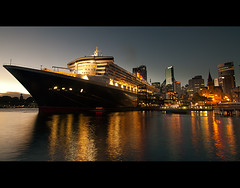 The Queen Mary 2 (AnthonyGinmanPhotography) Tags: ocean ship sydney qm2 queenmary2 sydneyharbour liner dawespoint
