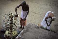 Glimpses of South India (fredcan) Tags: travel india men lamp temple fire religion traditions kerala indians hinduism puja priests southindia brahmins kannur hindus indiansubcontinent lifeinindia valapattanam malayalis fredcan punditsceremony