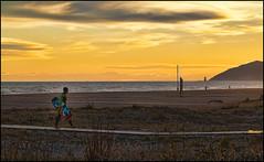 Se acab por hoy! (Modest Minguella (On/Off)) Tags: barcelona beach atardecer evening playa kiteboarding kitesurfing kitesurf modest platja castelldefels kiter capvespre flysurfing canoneos500d ef100mmmacrousm rememberthatmomentlevel1 seacabporhoy