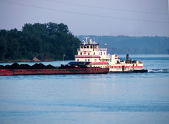 Barge on the Ohio River (aaron2042) Tags: river tugboat barge ohioriver
