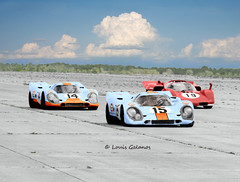 Porsche vs Ferrari at Sebring 1970 (Nigel Smuckatelli) Tags: auto classic cars race speed vintage classiccar automobile gulf florida ferrari racing prototype porsche hour passion legends vehicle 1970 autoracing 12 sebring sir endurance motorsports fia csi sportscar wsc heures marioandretti world 917k sportauto autorevue historic gulfoil ferrari512s championship raceway louis sebringinternationalraceway sebringflorida josiffert pedrorodriguez legends jwautomotive gp oldtimersport histochallenge manufacturers gp 1970 sebring gulfporsche917k motorsports nigel smuckatelli galanos manufacturers the12hourgrind