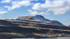 Mountain (Jan Smedemark) Tags: sunshine weather islands faroe suuroy tvroyri