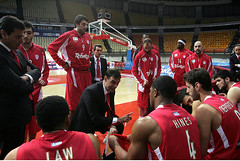 OLYMPIACOS BC - RETHYMNO (Olympiacos B.C.) Tags: basketball bench coach team instructions olympiakos rethimno hǎ хȕ̍ όdɋ ϓ ̐sʅ ёêϓ бβύǔœ τǃʌ bartzokas ̐qԇيs