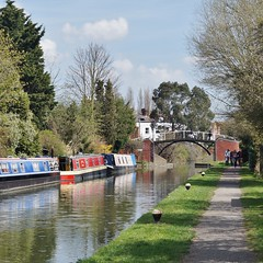 Highbridge, Grand Union Canal. (dlanor smada) Tags: canals aylesbury bucks grandunion