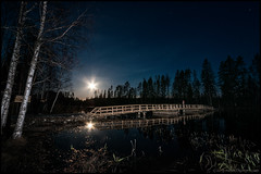 Bockabroe (Jonas Thomn) Tags: bridge moon reflection water night flash bro vatten natt reflektion mnen spegling blixt esse bockabron bockabroe