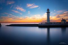 Hellevoetsluis (Peet de Rouw) Tags: nd hellevoetsluis lighthouse vuurtoren haringvliet blauw bluehour twilight sky water port peetderouw denachtdienst canon5dmarkiii