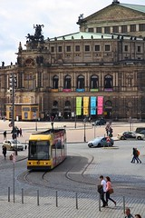 Tram in Dresden (2) (Krzysztof D.) Tags: dresden drezno niemcy germany deutschland europe europa tram tramwaj city miasto