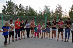 IMGP9727 (Henk de Regt) Tags: mongolië mongolia mohron mce buhug vrijwilligers volunteers children kinderen school sport games fun waterfight slangenmens contortionist summercamp