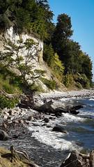 Sassnitz unter den Kreidefelsen (drummerwinger) Tags: rot rgen sassnitz strand urlaub ostsee meer sonne